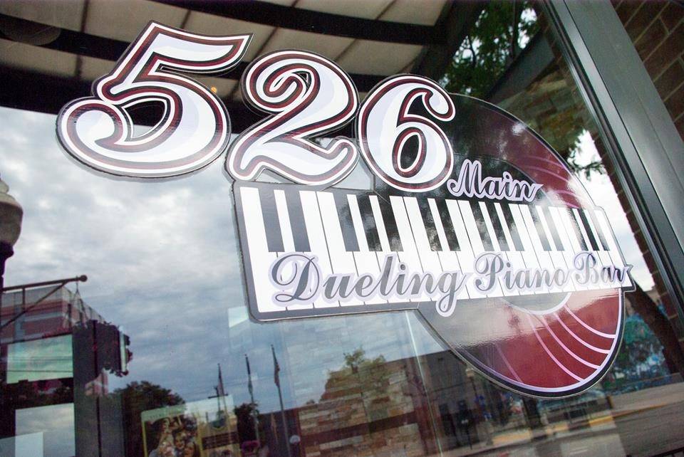 526 Main Dueling Pianos with Tommy Sklut in March