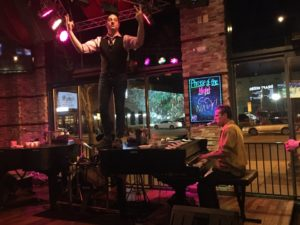 526 Main, dueling pianos, Michigan, pianist, piano, piano bar, Royal Oak, tommy sklut
