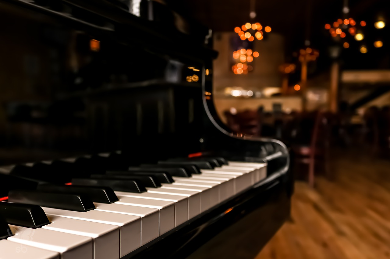 Dueling Pianos at the Terrace Bay Hotel – 3/15-16