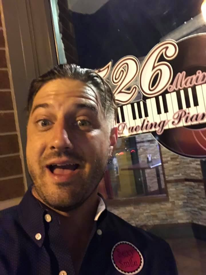 Tommy Sklut plays Dueling Pianos at 526 Main in April